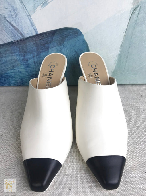 CHANEL Ivory Leather Cap Toe Mules SZ 38