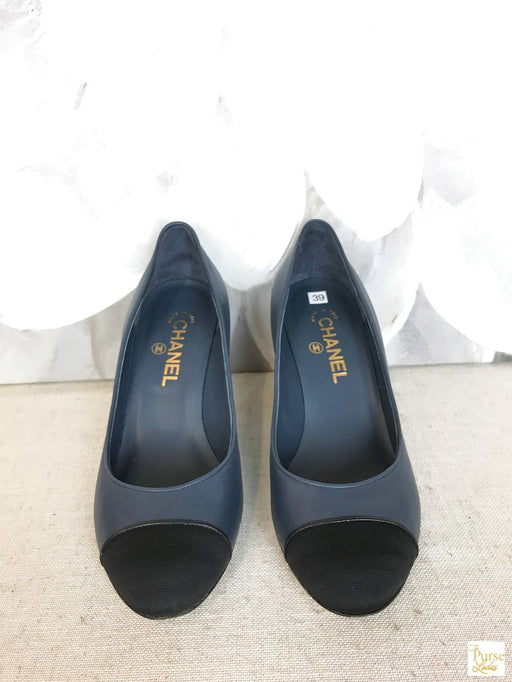 CHANEL Navy Blue Leather Pumps SZ 39