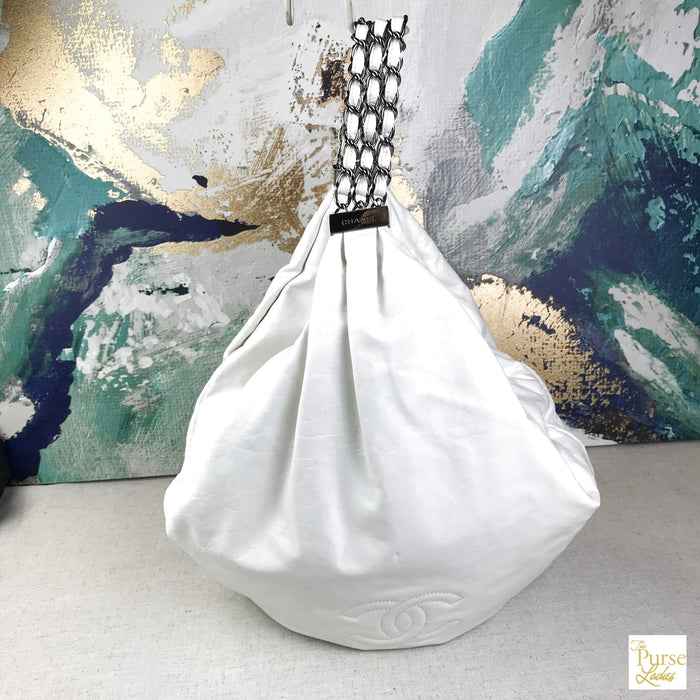 CHANEL White Leather Rock & Chain Hobo