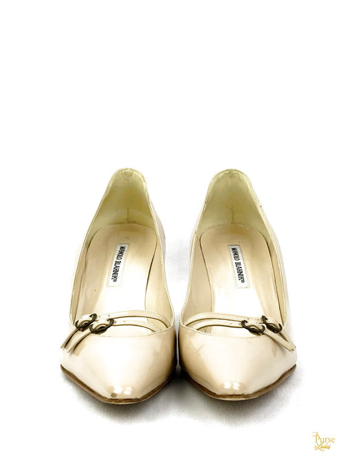 MANOLO BLAHNIK Beige Patent Leather Pointed Toes Sz 42 Heels