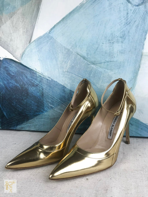 MANOLO BLAHNIK Gold Leather Pumps Sz 38 Heels