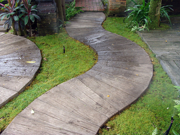 Wandering Path Paver Unstained Big Grass