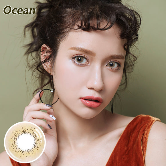 Natural magnification of Ocean colored contact lenses Brown