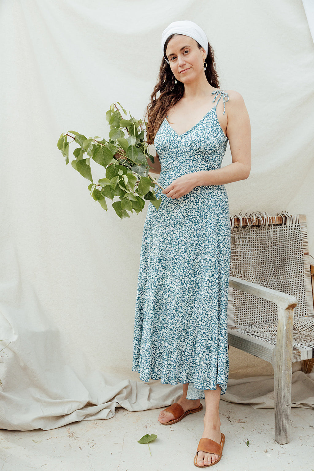 White/blue flowers strap dress