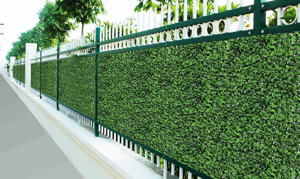 How to Install Artificial Hedges on a Wire Fence
