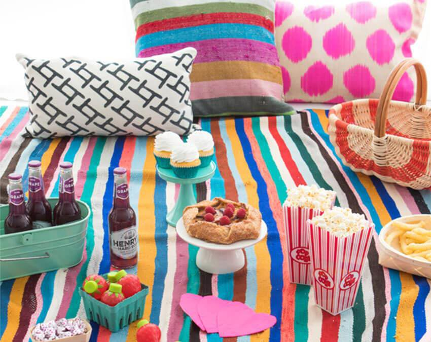 Young and colorful |Cutest Indoor Picnics