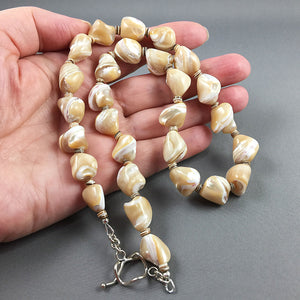 Beige mother of pearl and sterling silver necklace