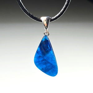 Apatite and sterling silver pendant