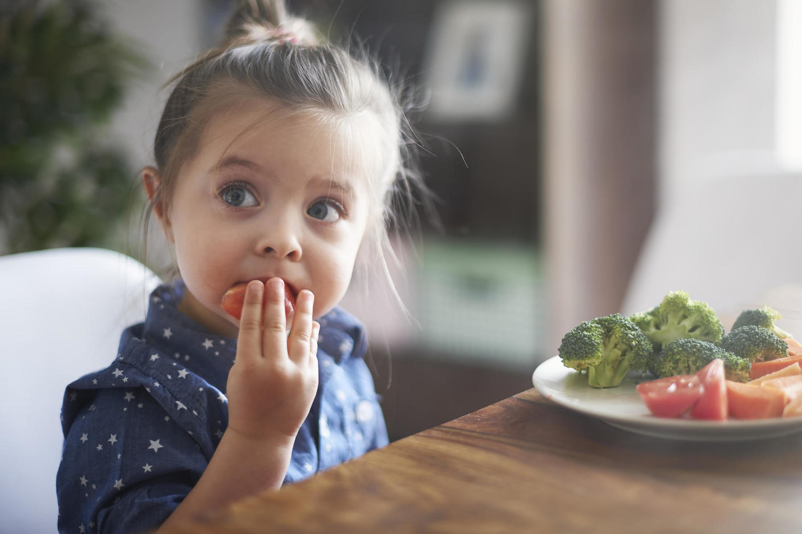 How to raise a healthy eater?
