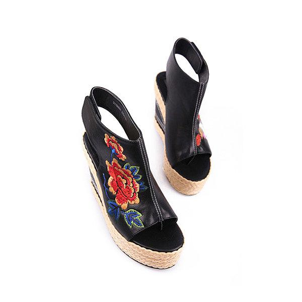 d568fbcb77db Women Flower Embroidery National Wind Hollow Out Peep Toe Platform Sandals  131057