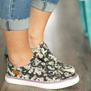 Women's Black Comfy Daisy Slip-on Sneakers