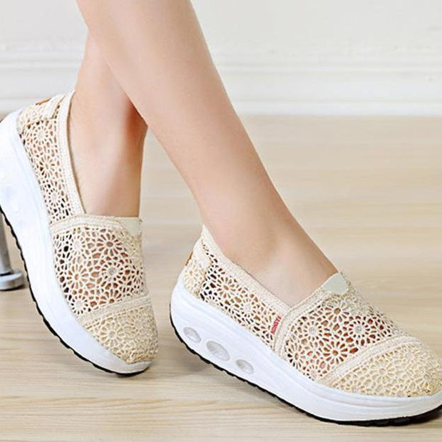 Women Hollow Lace Rocking Shoes 108585