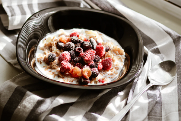 gluten free oatmeal with berries