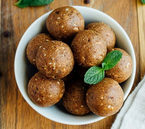 Bowl of High-Protein Thin Mint oatmeal energy balls