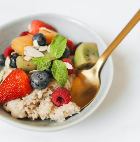 quick breakfast ideas of hot cereal with fruit