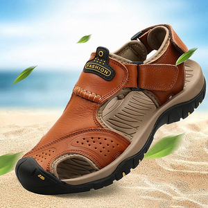 2018 Stitching Genuine Leather Anti-collision Toe Beach Sandals