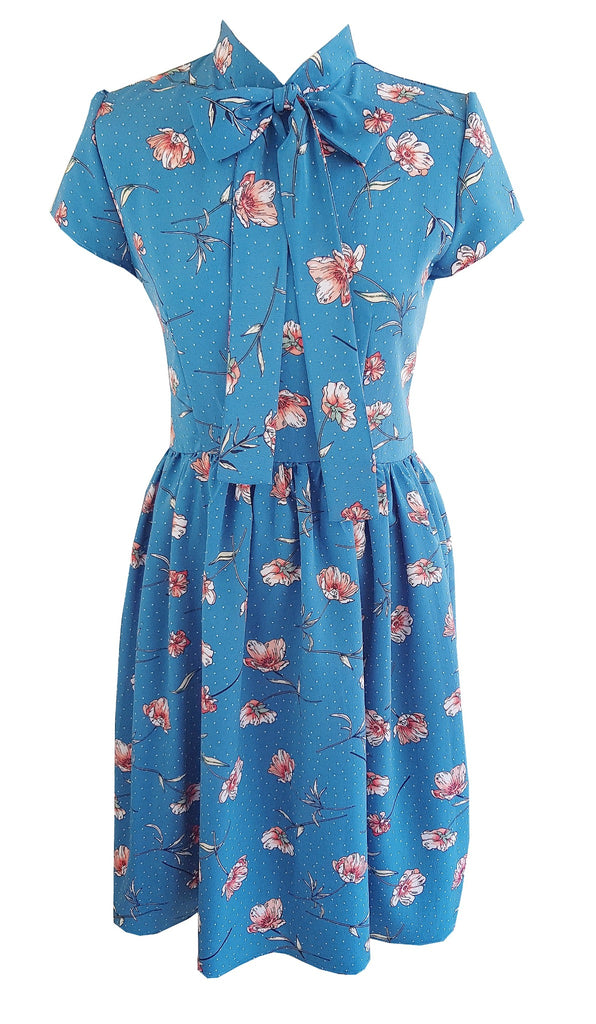 1950s style floral full skirt summer tea dress with gather skirt and pussy bow neck tie