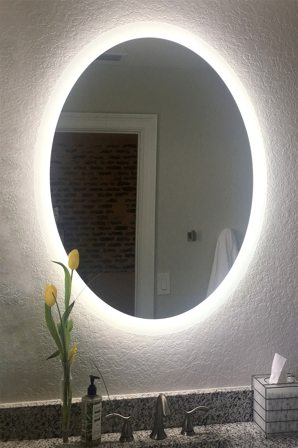 Side Lighted Led Bathroom Vanity Mirror 20 Quot X 28 Quot Oval