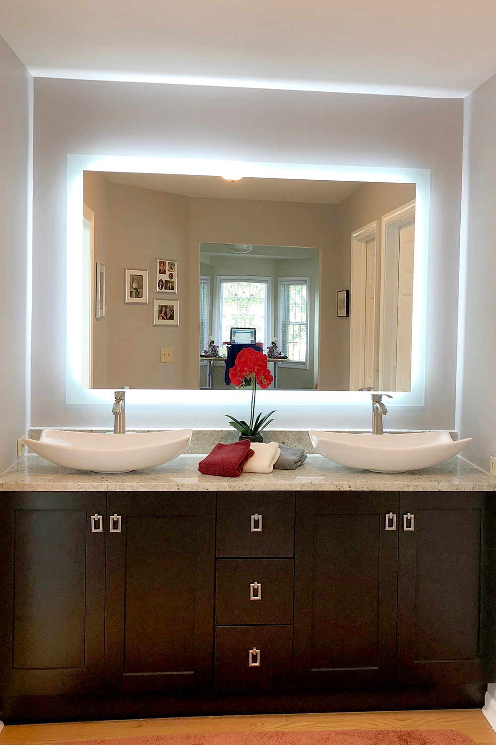 Picture of: Side Lighted Led Bathroom Vanity Mirror 48 X 32 Rectangular Mirrors Marble