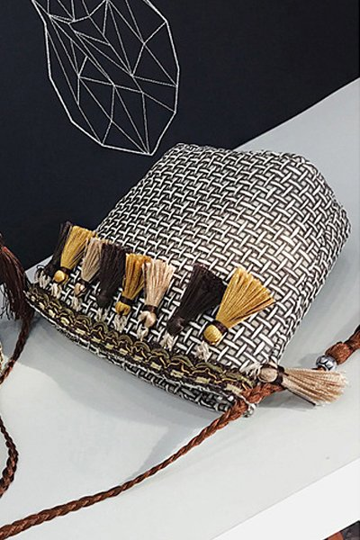 Women's Beach Tassel Zipper Woven Straw Sling Bag