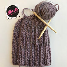 Load image into Gallery viewer, LAVENDER CHUNKY RIB BEANIE