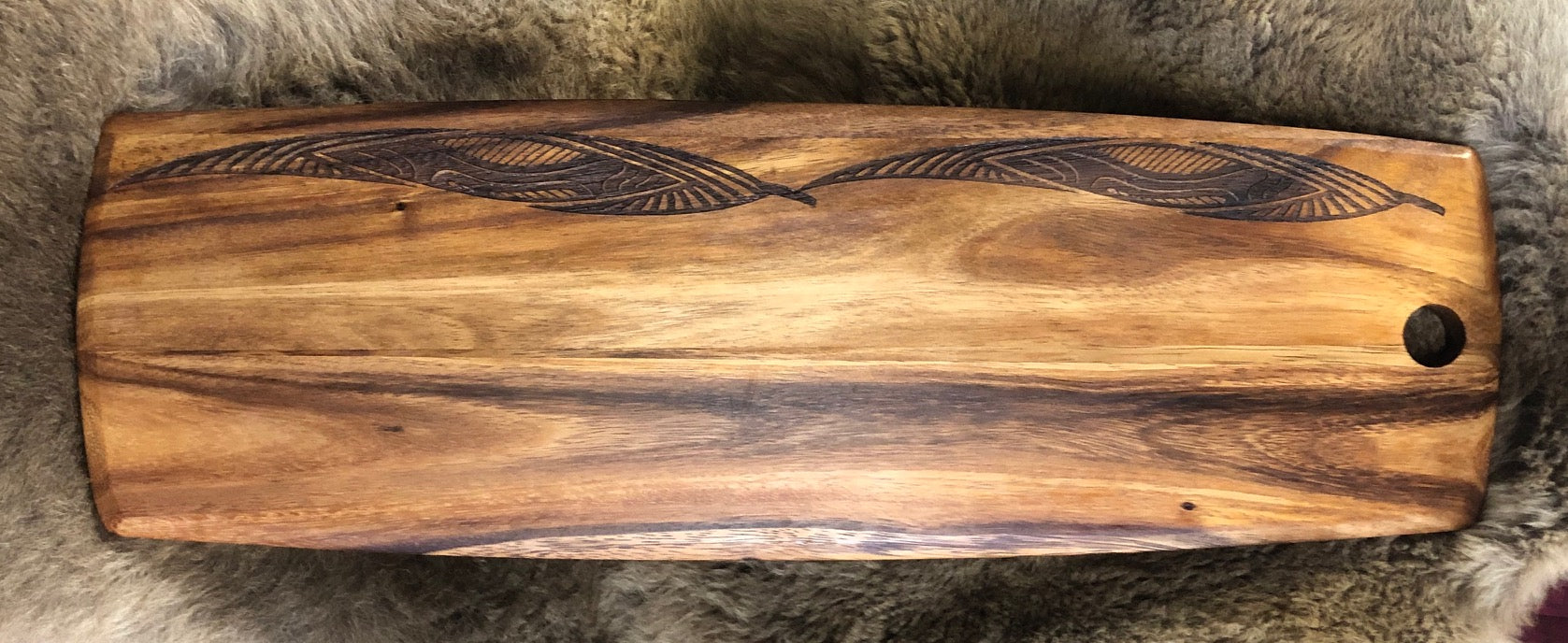 ACACIA WOOD PLATTER LARGE- GUM LEAVES JOURNEYS SHEILD DESIGN
