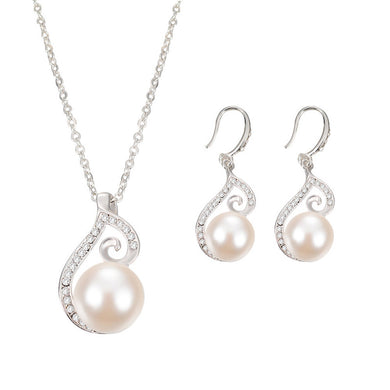 Pearls and Crystal Jewelry Set of Necklace and Earrings