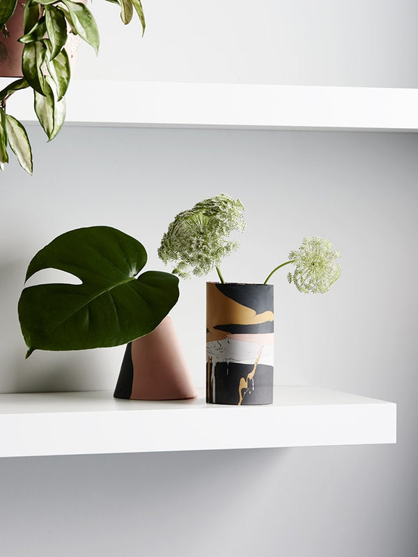 Eco-Resin Vases - A Perfect Solution