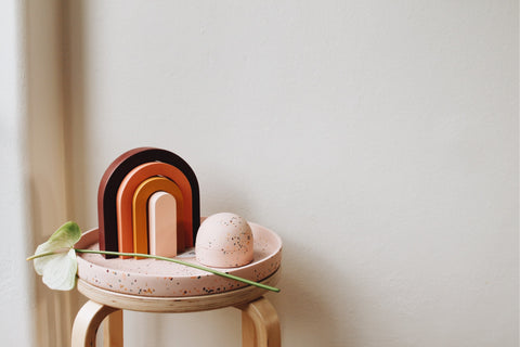 Tabletop - HOW TO STYLE A RAINBOW OBJECT.