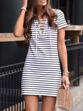 Load image into Gallery viewer, V-Neck  Lace-Up  Printed Shift Dress