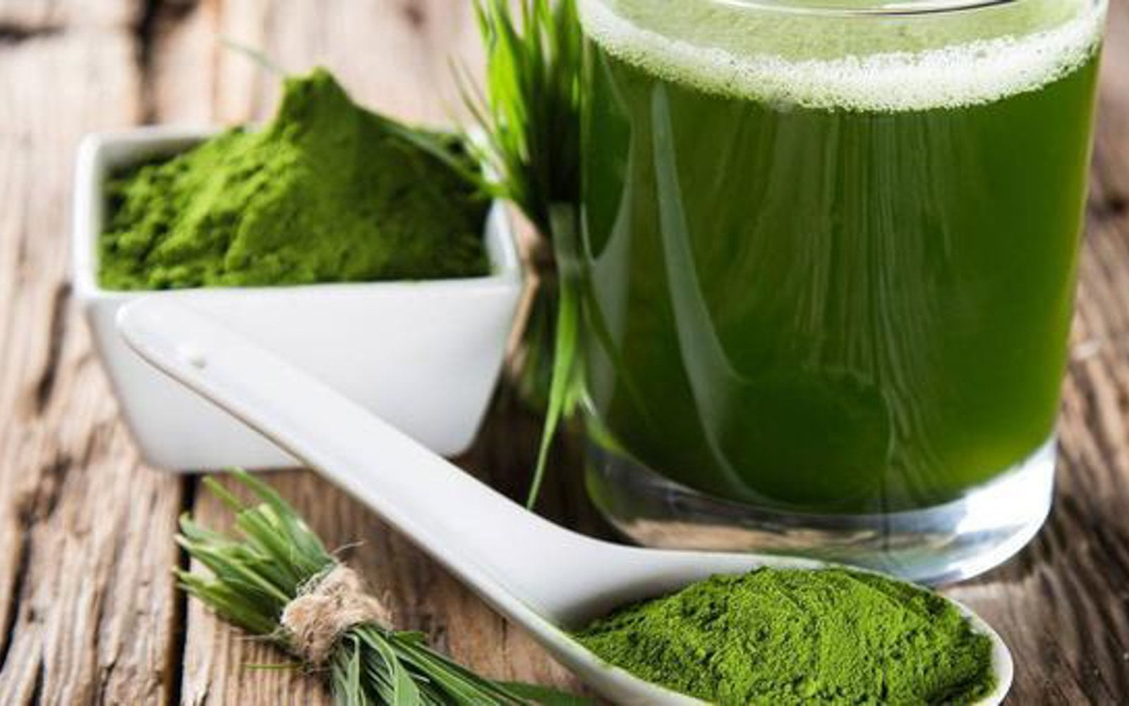 Spirulina benefits: 10 reasons to try it