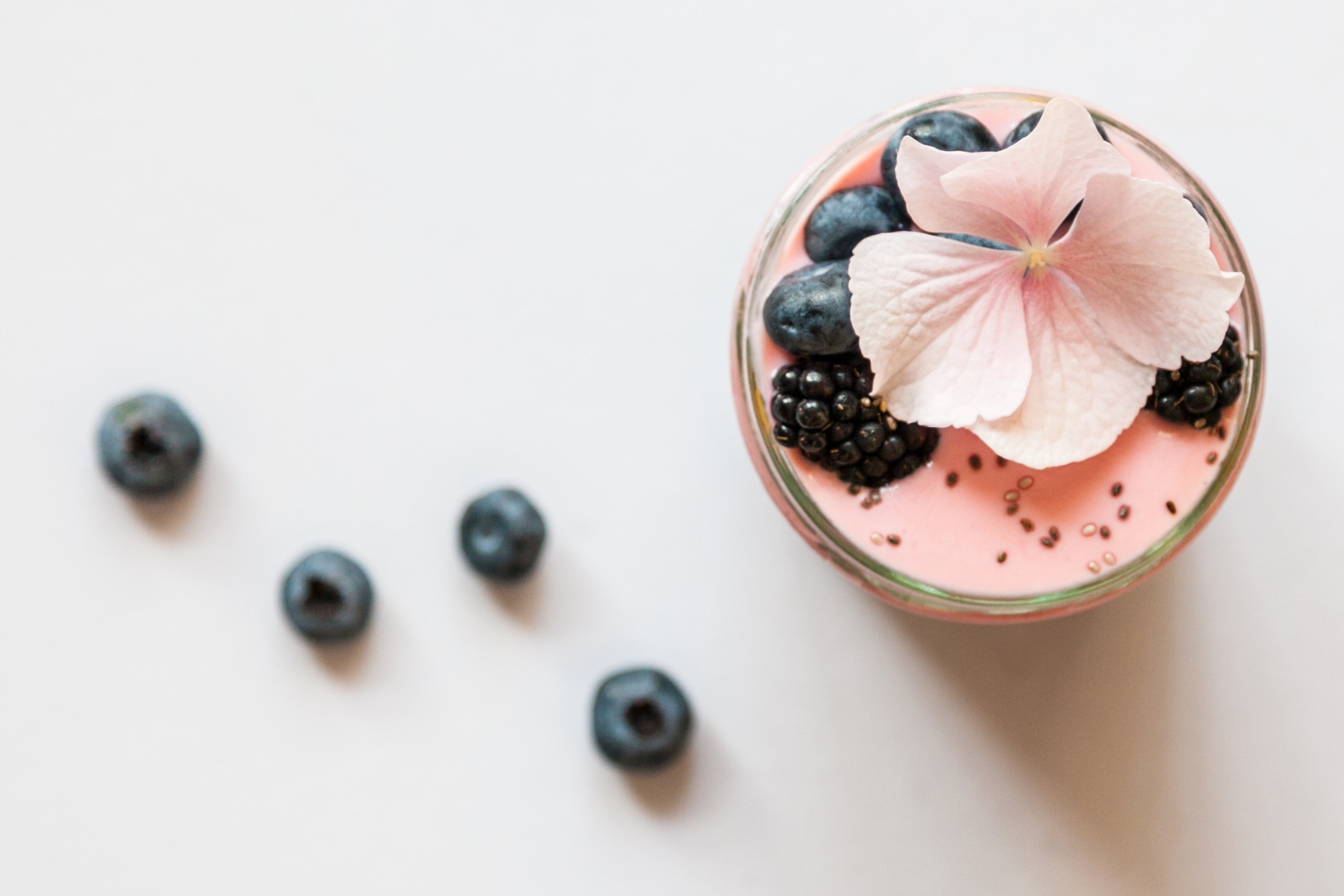 Healthy Banana, Blueberry, Tahini & Dates Smoothie Recipe