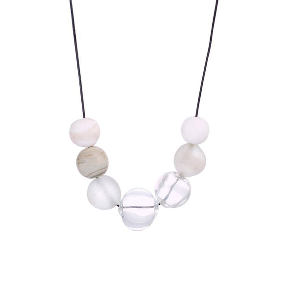 Elegant Glass Beads Necklace