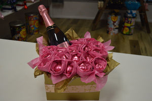 Chocolate Chandon Roses & Hearts Bouquet - Pink