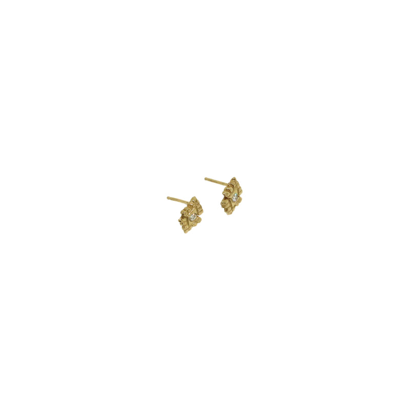 diamond light stud earrings