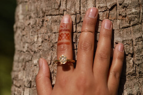 Metal rings and henna design rings go together perfectly when you use the Ring DIY Henna Kit