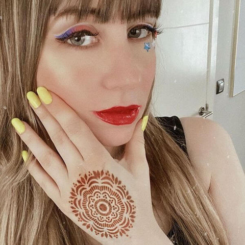 Mihenna customer wearing the Blossom Henna Tattoo Design