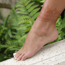 Load image into Gallery viewer, Hera - henna design on ankle in nature