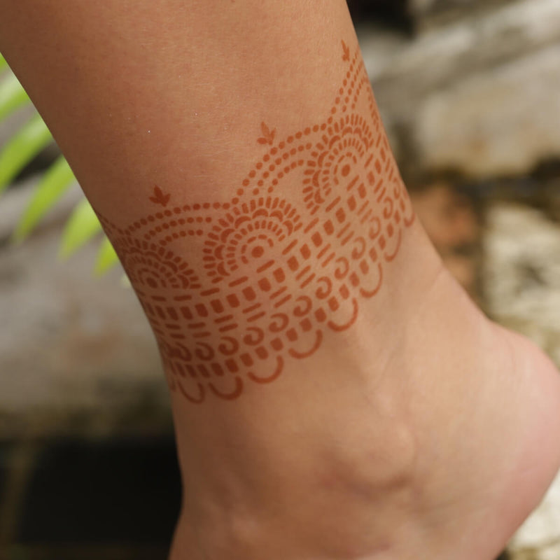 Hera - henna design on ankle