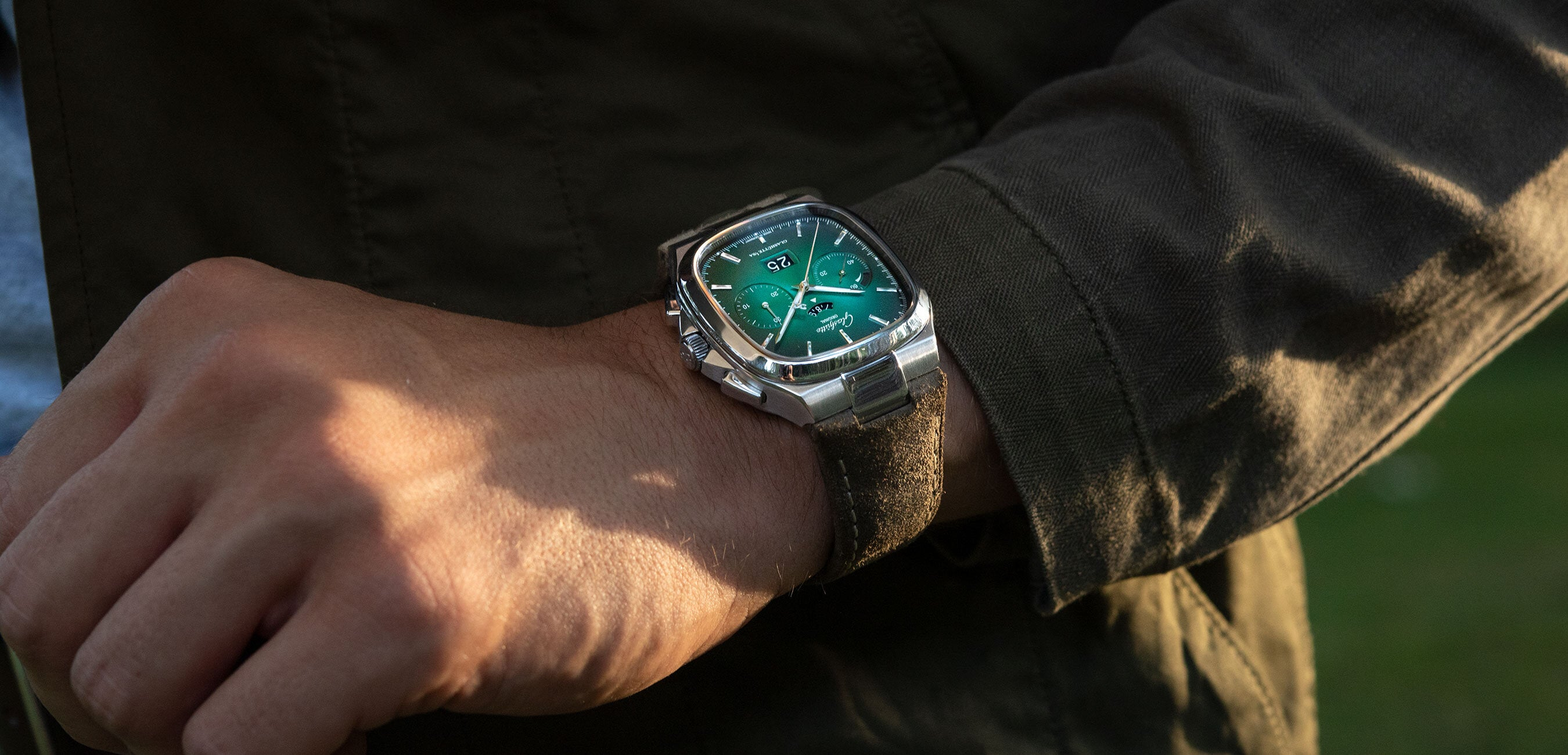 Chronograph in a fascinating colour-play