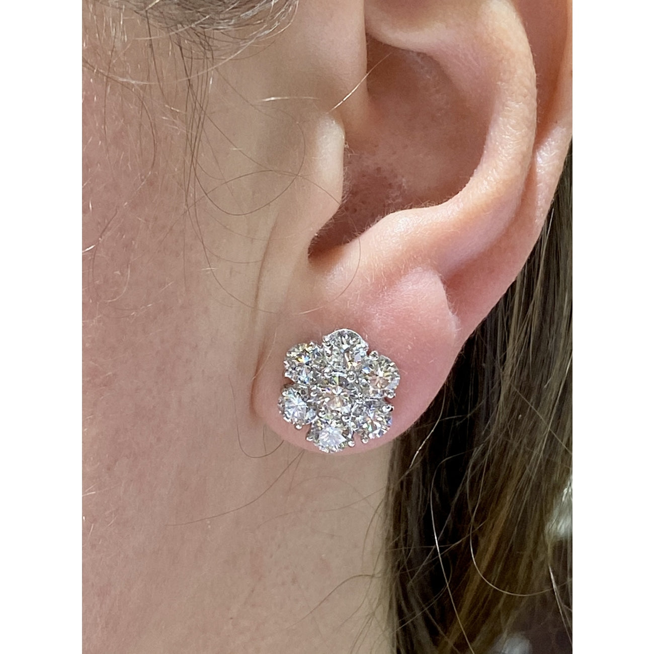 Estate Jewelry Estate Jewelry - Diamond Cluster White Gold Stud Earrings | Manfredi Jewels