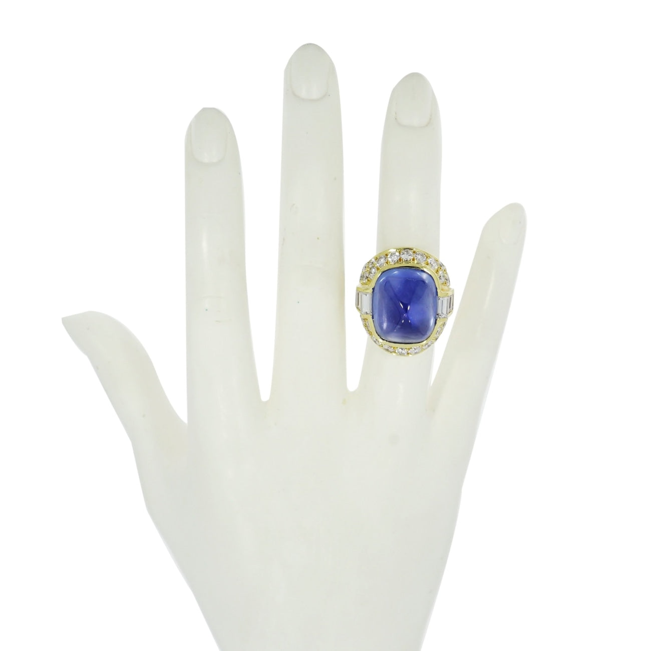 GIA certified Natural Unheated Sapphire and Diamond Yellow Gold Ring
