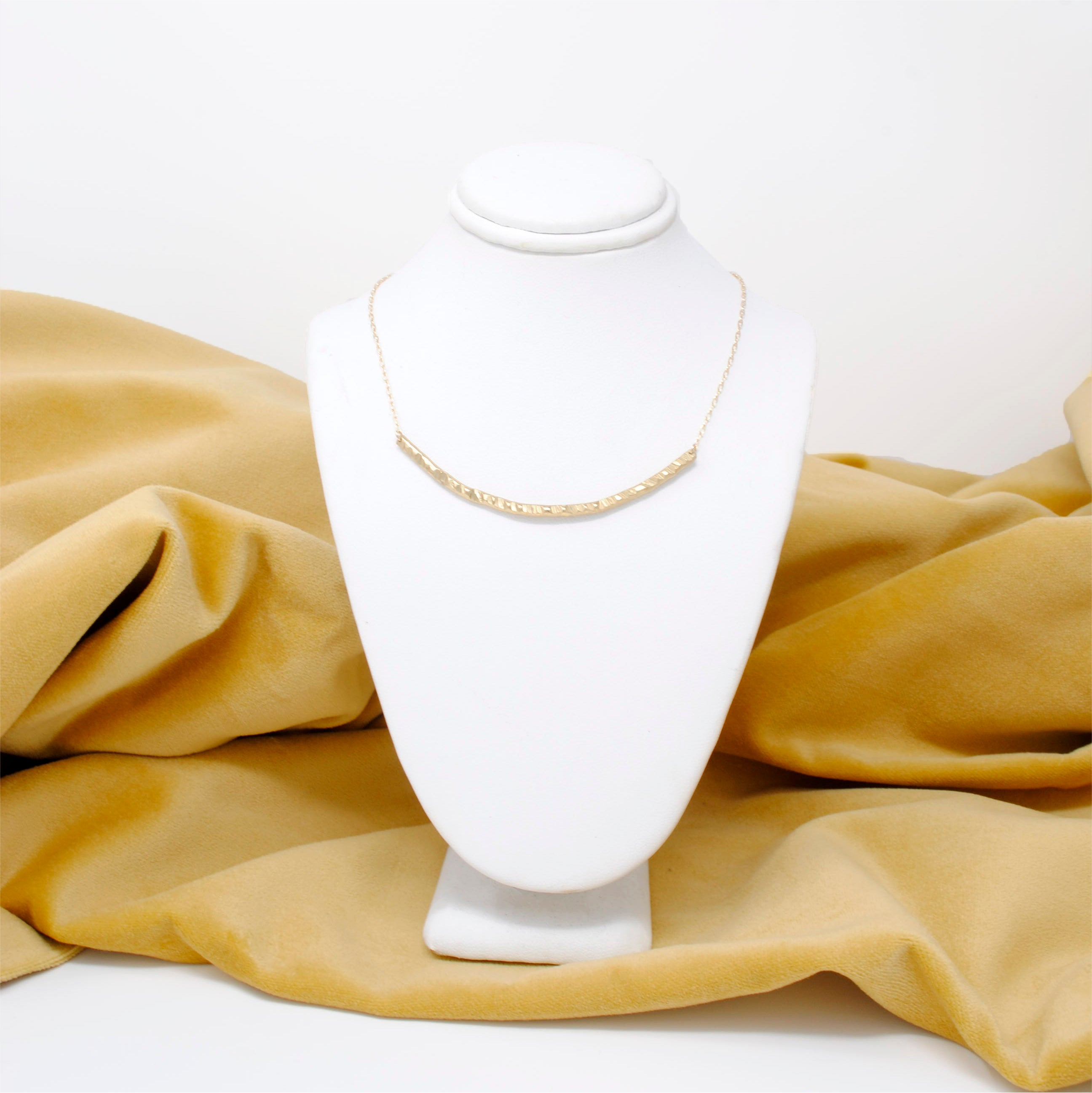 Daedal Textured U Necklace