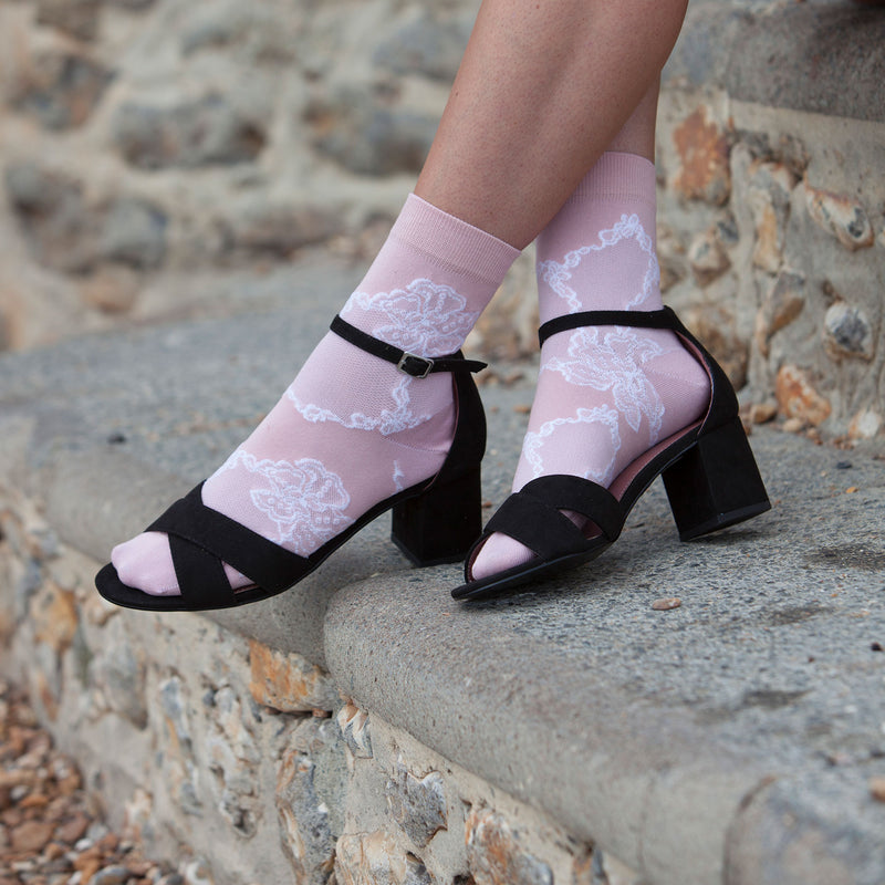Delicate Women's Socks - Soft Pink