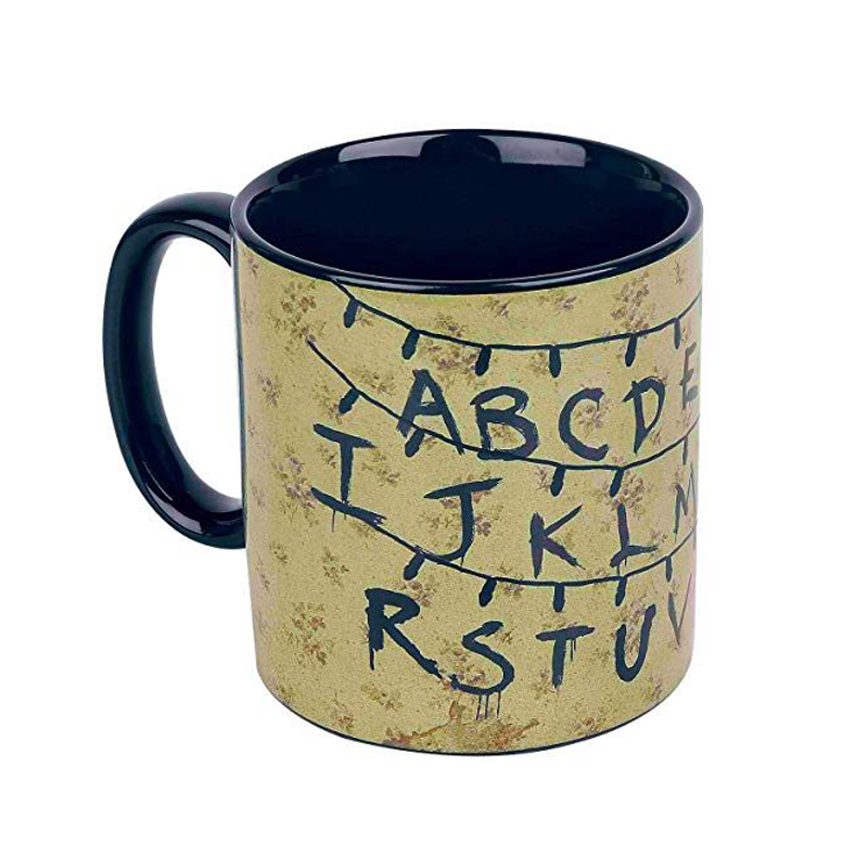 Mug thermoréactif Stranger Things