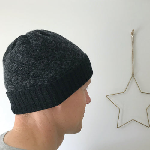 e7c961584e7a6 Men s black beanie hat - Ogee - Little Knitted Stars