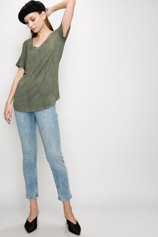 DOUBLE ZERO | Essential V-neck Tee in Olive Green