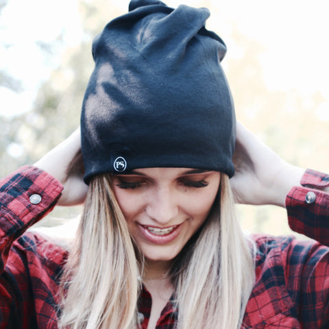 PRETTY SIMPLE | Knit Slouch Peek-A-Boo Beanie in Black