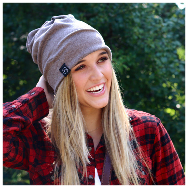 PRETTY SIMPLE | Knit Slouch Peek-A-Boo Beanie in Coffee