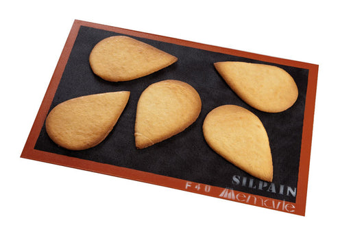 "<img src=""0001756_silpain-non-stick-bread-baking-sheet.jpg?v=1567599877 "" alt=""Demarle Silpain Non-Stick Bread Baking Sheet - Us And French Sizes"">"